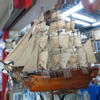 """Модель корабля """"U.S.S. Constitution"""", дл.150см"""