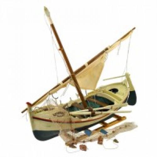 Декоративная модель рыбацкой лодки