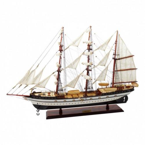 Модель парусного корабля