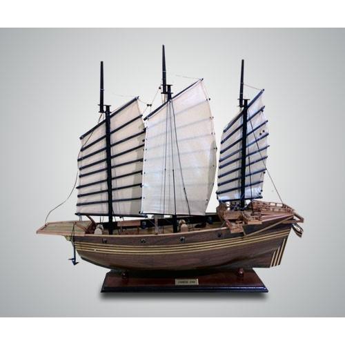 Модель китайского судна (джонка)
